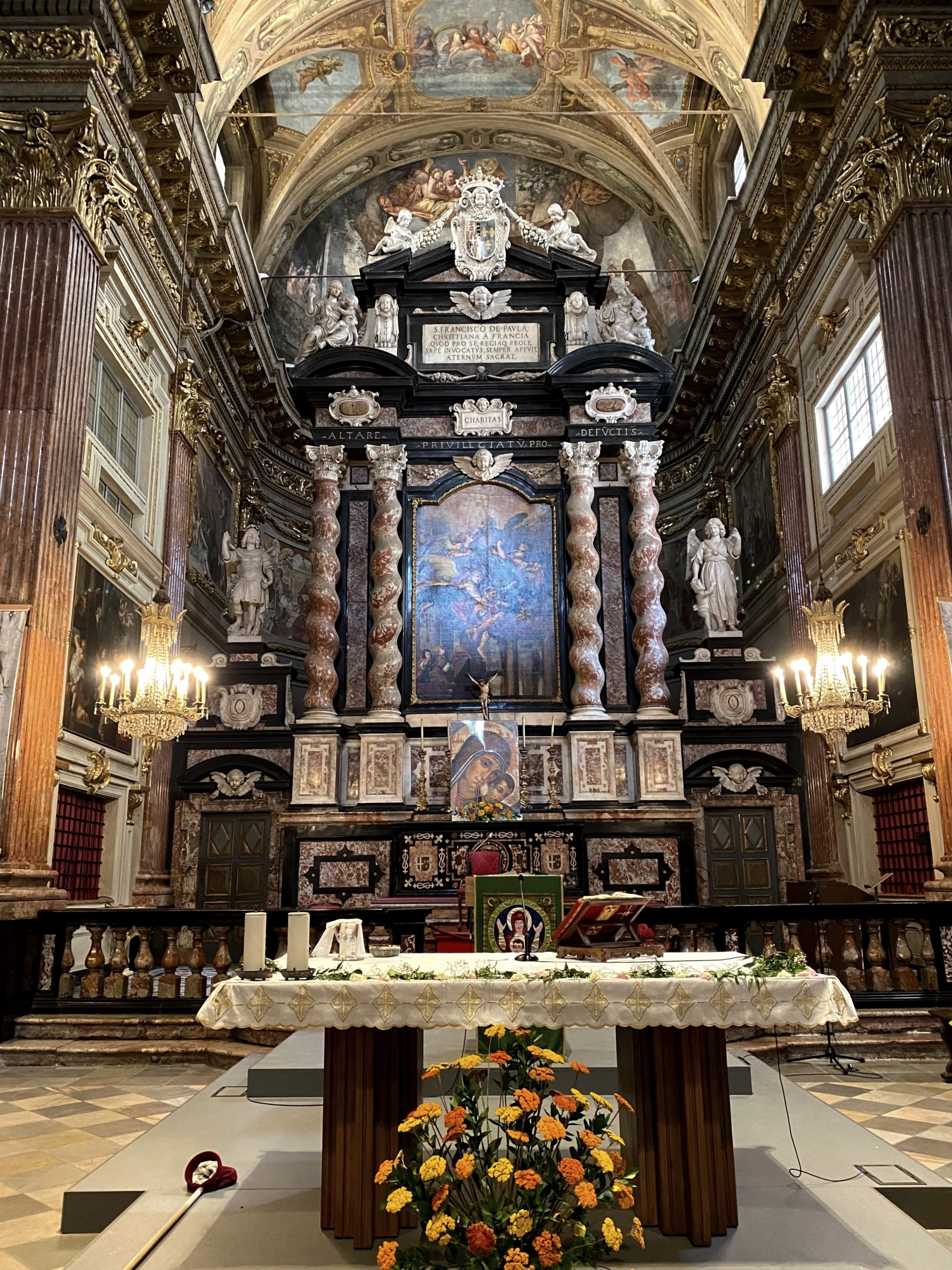 Altare Chiesa San Francesco Da Paola